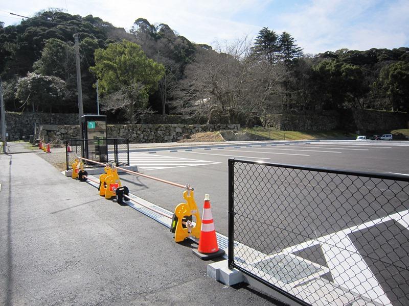 三の丸駐車場写真